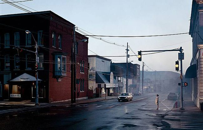 gregory_crewdson_beneath_the_roses_2005