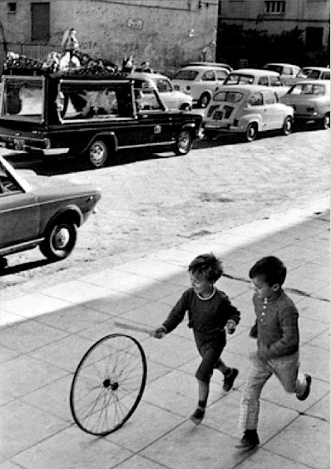 +-Cartier-Bresson