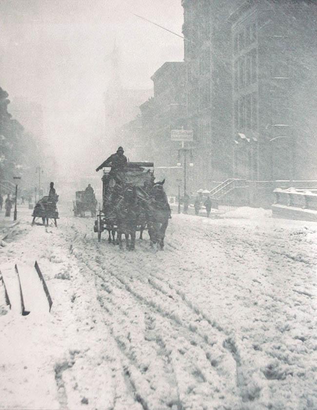 1893-Winter-on-Fifth-Avenue-Alfred-Stieglitz