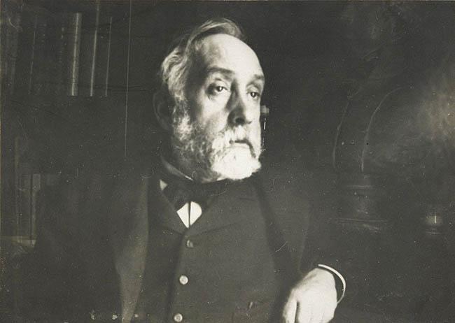 1280px-Edgar_Degas_self_portrait_photograph