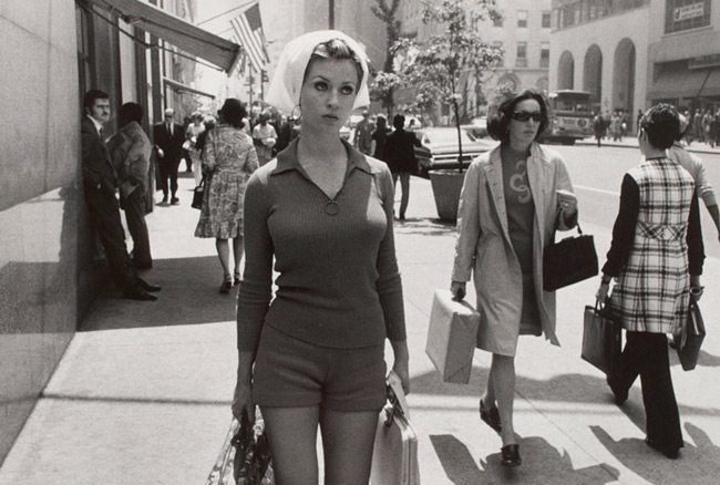 Garry-Winogrand-Black-Border-Woman-Cropped