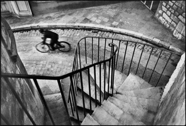 Henri-Cartier-Bresson-with-Black-Borders-4
