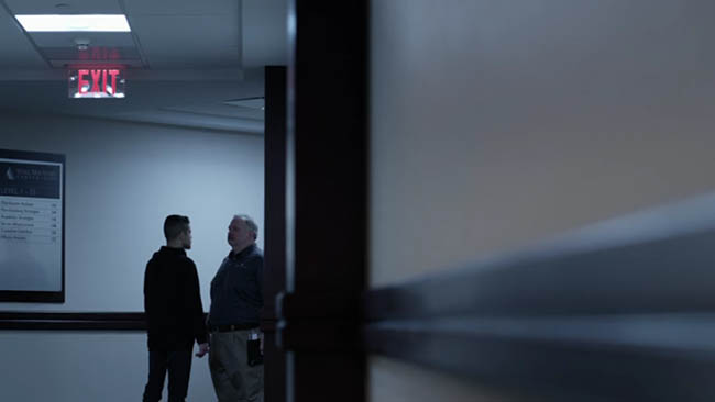 Mastering Composition Cinema Analyzed- Mr Robot- tv series-screenshot021